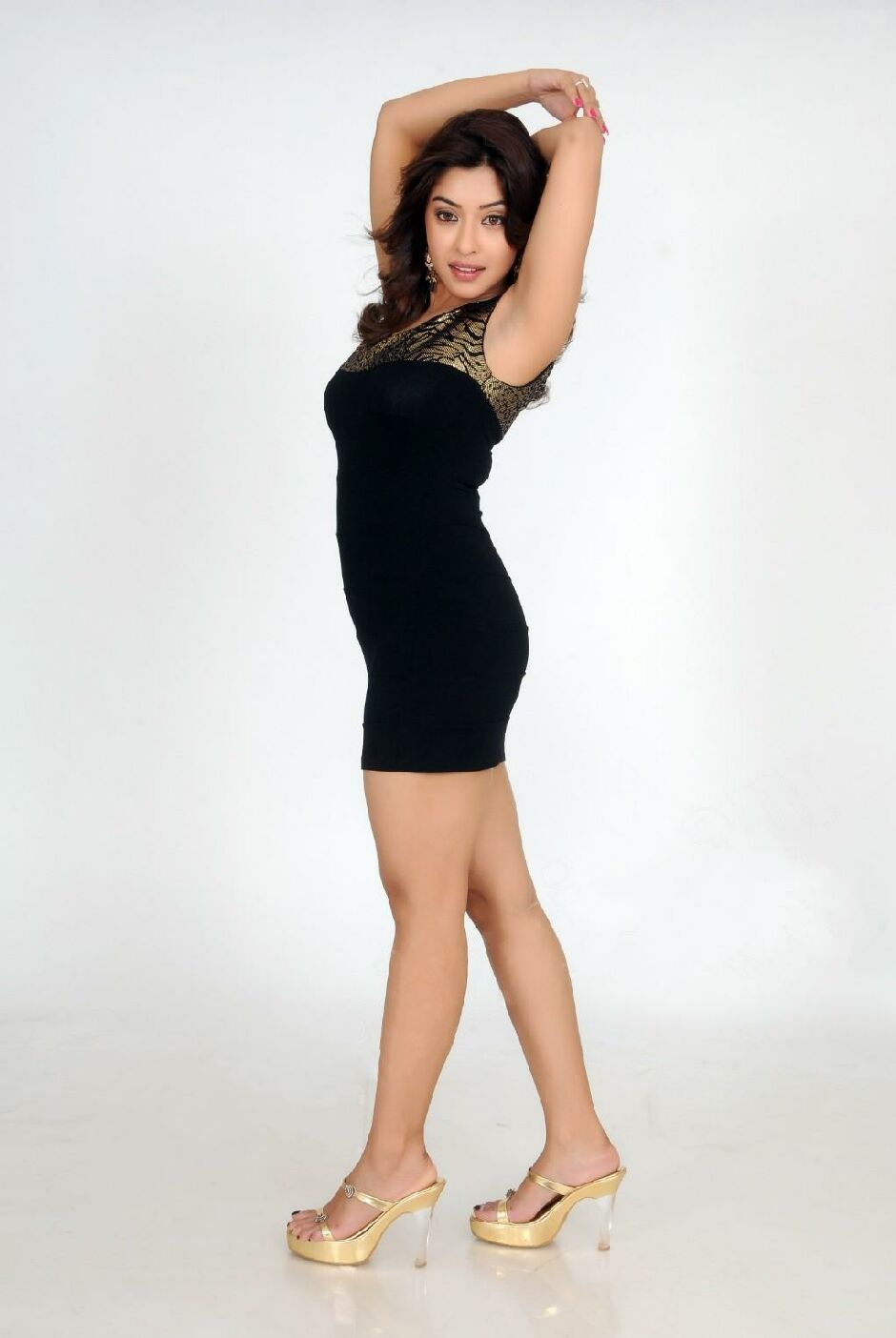 Displaying 15> Images For - Daisy Shah Armpit...