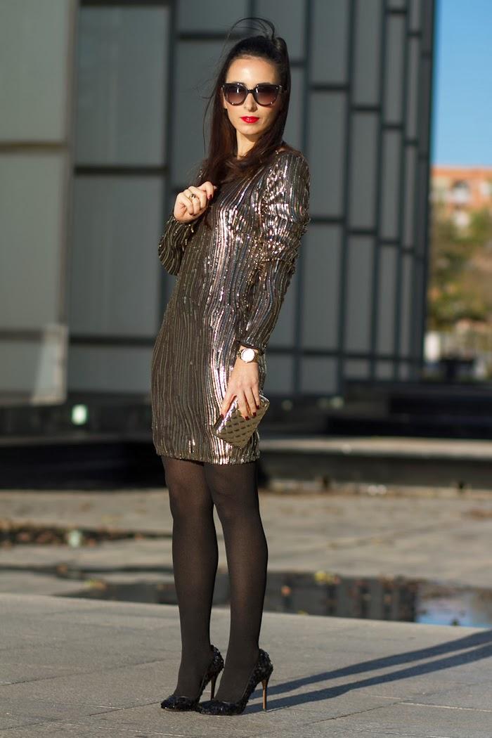 Look de Nochevieja con vestido de lentejuelas de la Blogger de moda WOWS