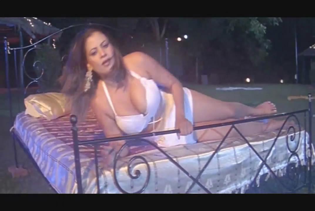 Actress movieimages shamita sapna for Hot bedroom photos