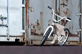OKES: bicicleta de madeira