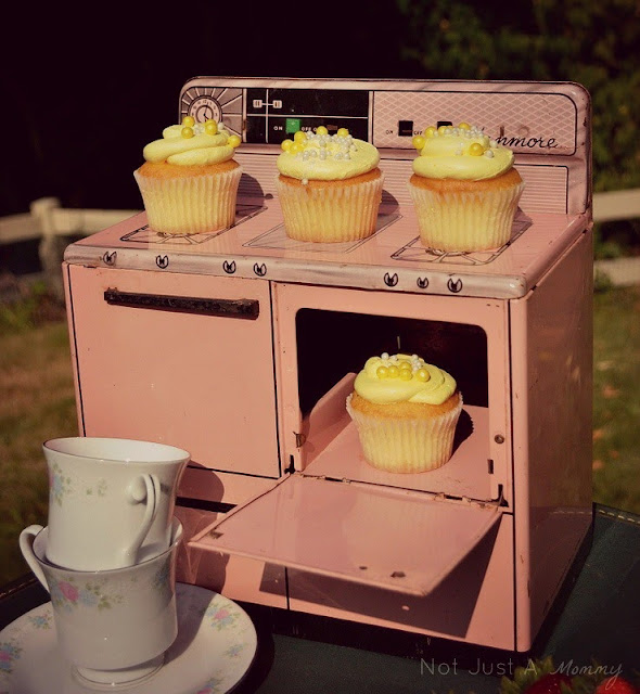 impromptu tea party cupcake stand
