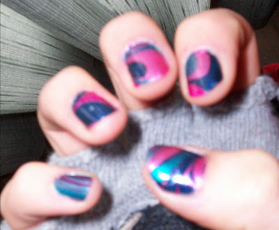 nail me, nail art, water marbling, blue, purple, pink, model, anna