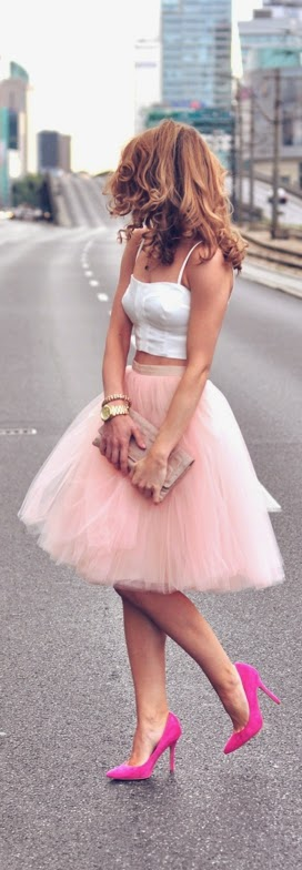 Faux Pink Tulle Skirt with White Top and Bright Pumps | Chic Street Outfits