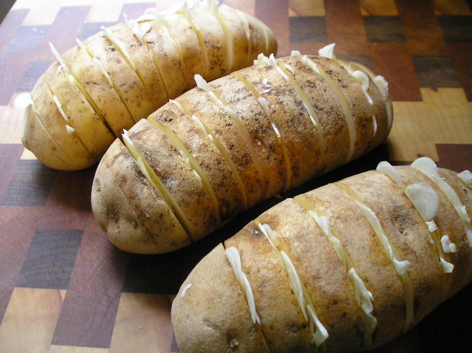 Slow Cooker Garlic-Stuffed Baked Potatoes ~ Edesia's Notebook