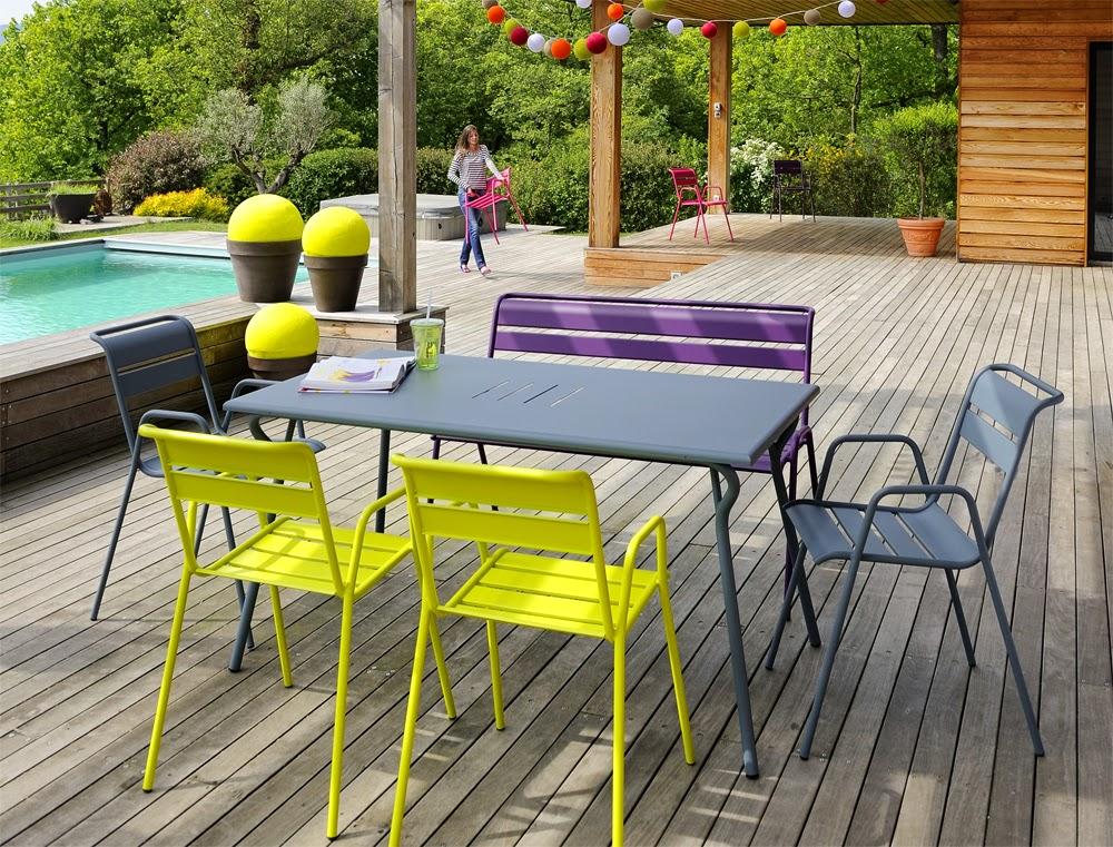 Casa Vik Färgglada Utemöblerårets Trend