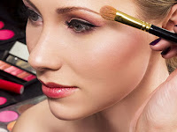 Tips Agar Make Up Tahan Lama