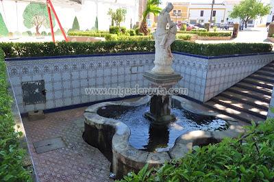 Fuente de la Plaza de Almendral