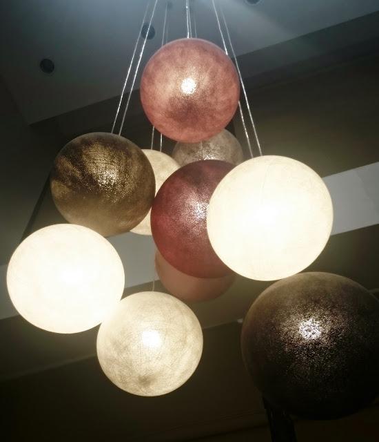 cotton balls light, qule, piękny żyrandol, hiszpania oświetlenie, blog wnętrza, lifestyle, blogerka Szczecin