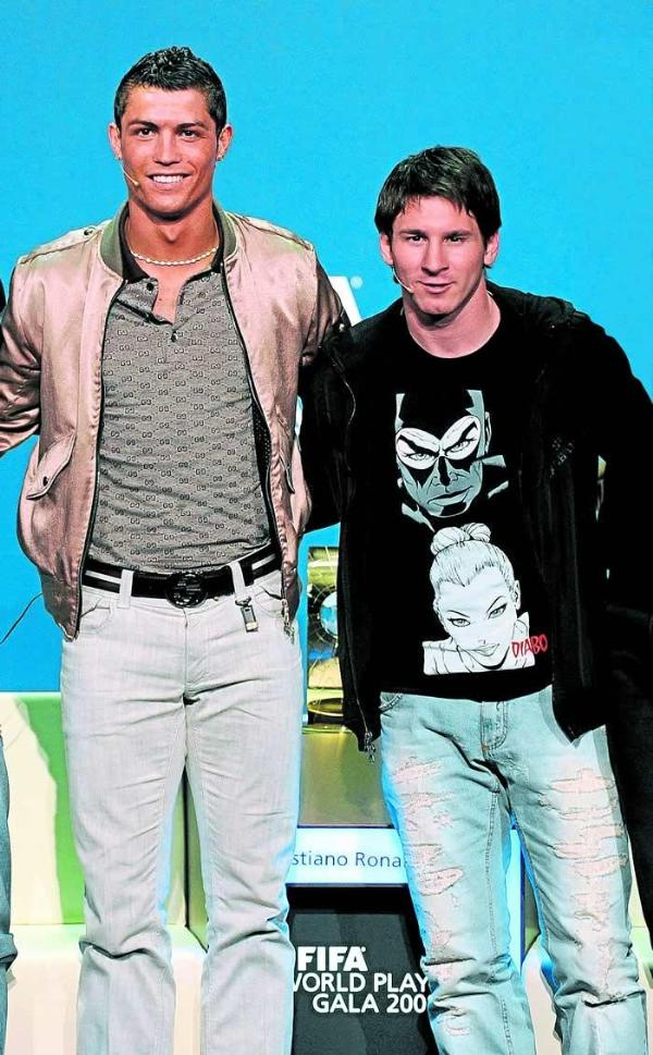 Messi Vs Cristiano Ronaldo Lionel Messi Wallpapers Messi Vs Ronaldo