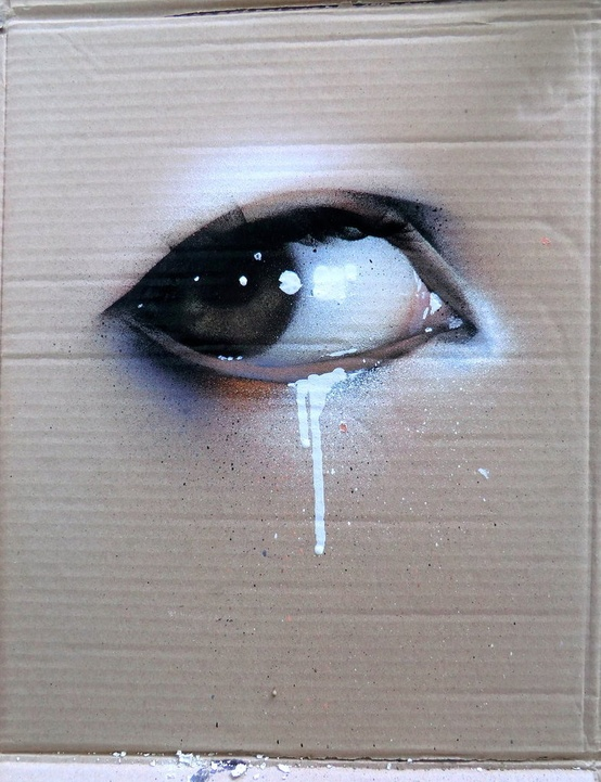 Cardboard box art (via nestpearls.blogspot.fr)