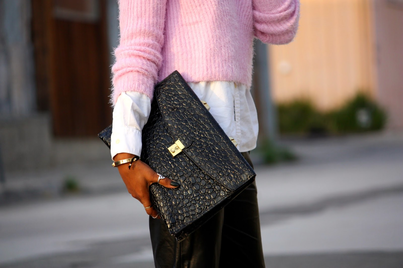 Think Pink outfit accessory details vintage John Weitz croc embossed portfolio clutch