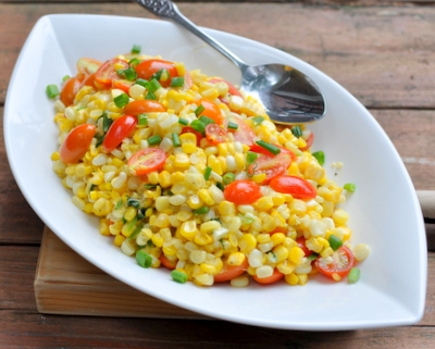 Fresh Corn & Tomato Salad, another Easy Summer Recipe ♥ KitchenParade.com, so simple, much more than the sum of its parts. WW3.