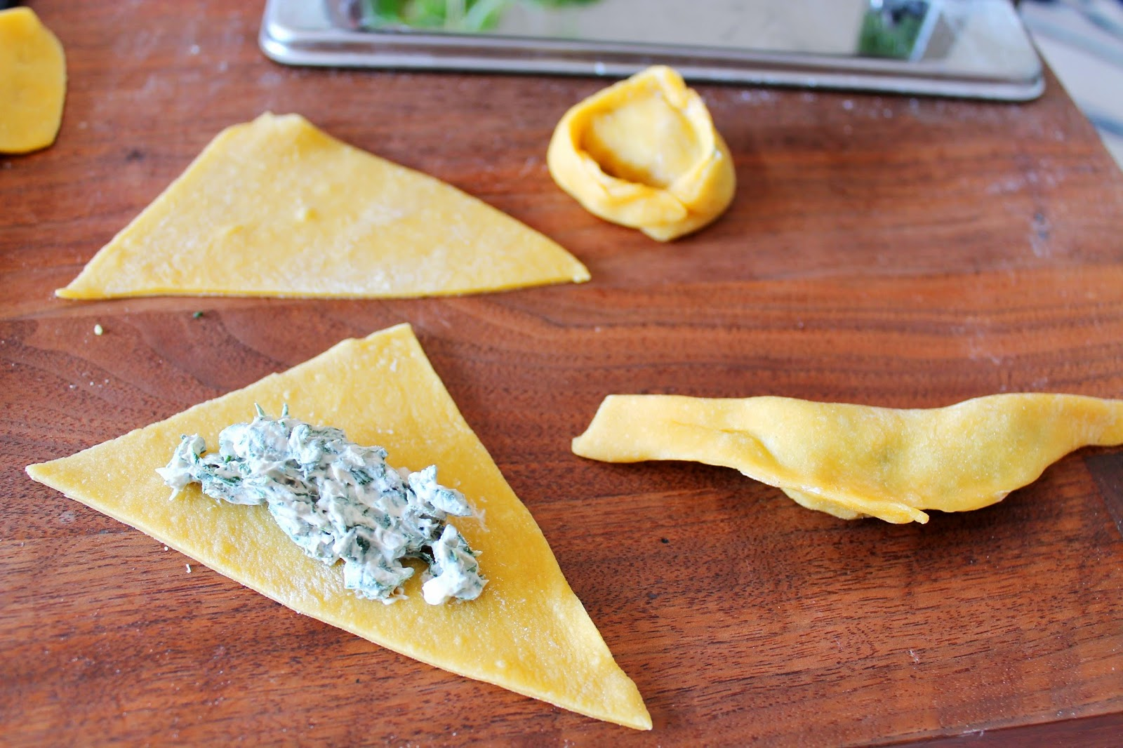 The making of tortellini pasta, how to | Alinan kotona blog