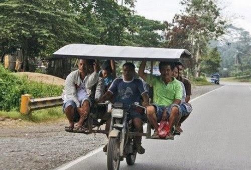 smešna slika: motocikla taksi
