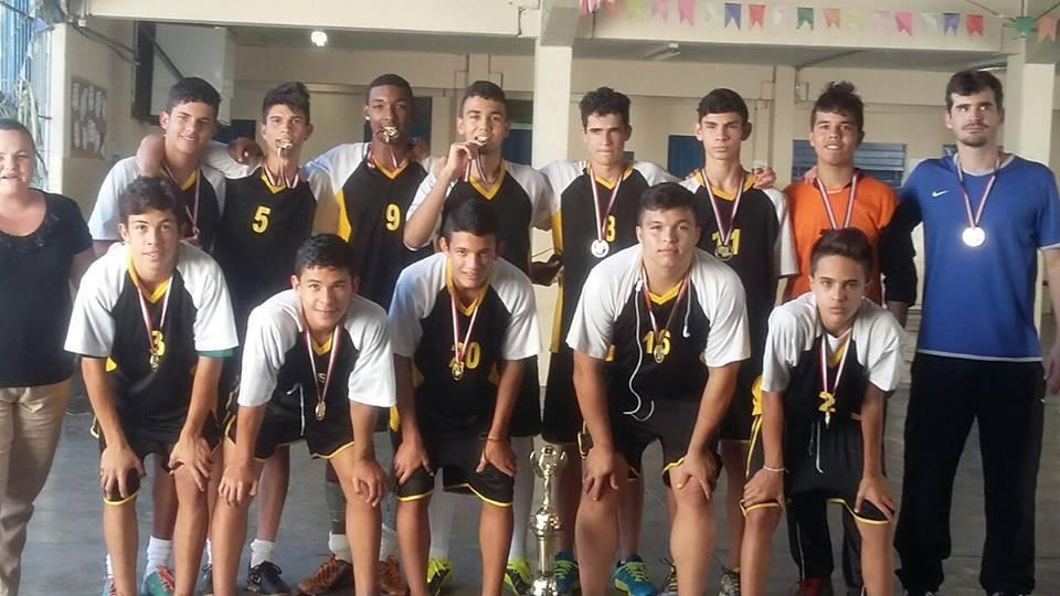 75dbf58132 Futsal masculino da Escola Francisco Pessoa conquista fase diretoria de  ensino dos Jogos Escolares