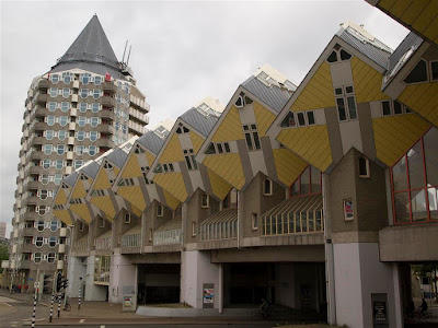 Casas Cúbicas sobre Blaak (Rotterdam)