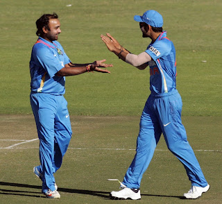 Amit-Mishra-Virat-Kohli-Zimbabwe-vs-India-2nd-ODI