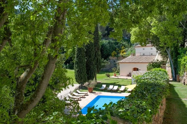 Hotelitos de ensue o en begur 1 parte hotels with a plus for Piscinas naturales begur