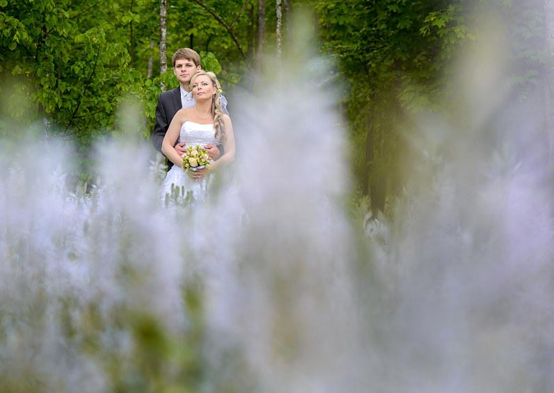 vestuvių fotosesija Burbiškio dvaro žydėjime