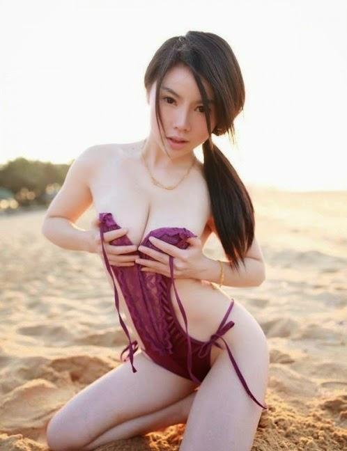 cewe amoy bening putih mulus di pantai