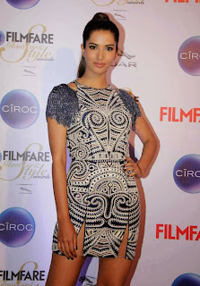 Manasvi Mamgai in Spicy Shorts on Red Carpet at Ciroc Filmfare Glamor and Style Awards 2015 Mumbai