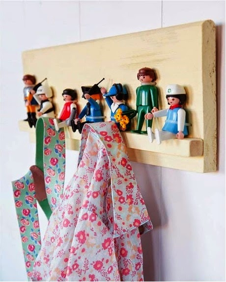 perchero diy hecho con playmobil