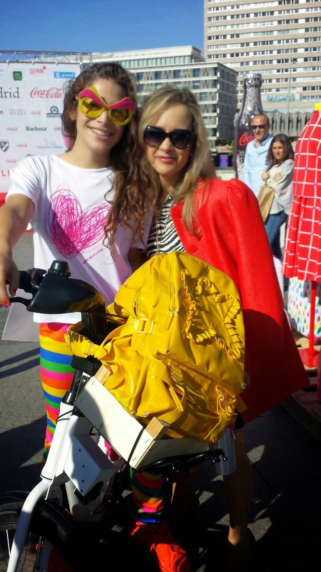 Cosima Rodríguez y Lady Trends pasarela de moda en bici
