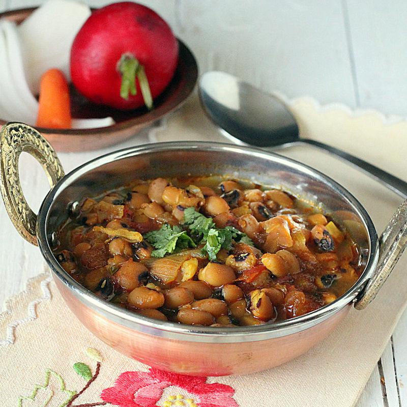 Mom's Black Eyed Peas Curry(Raungi). Vegan, glutenfree - Vegan Richa