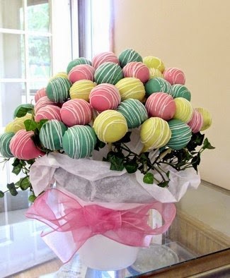 CREATIVE CUSTOMIZED PASTRY BOUQUETS