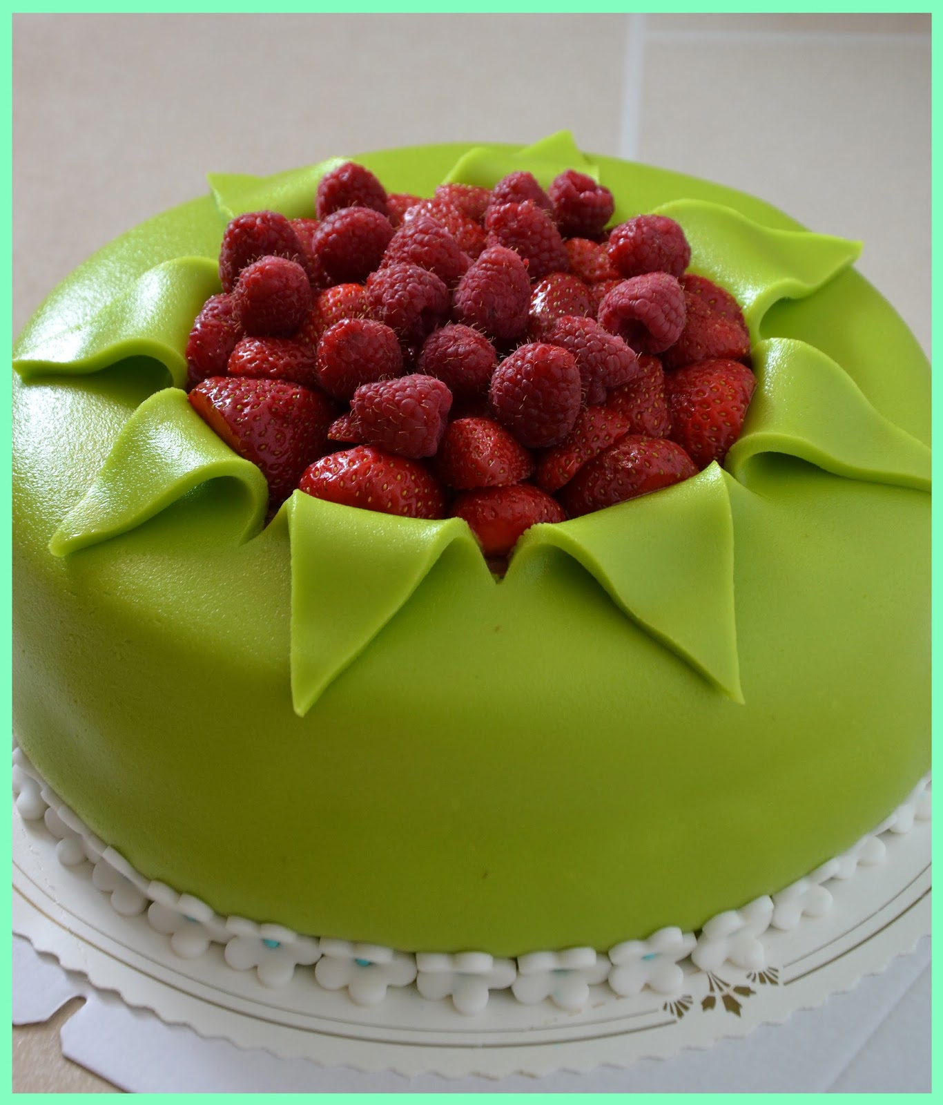 marsipan tårta dekoration