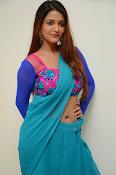 Anaika soti sizzling in saree-thumbnail-5