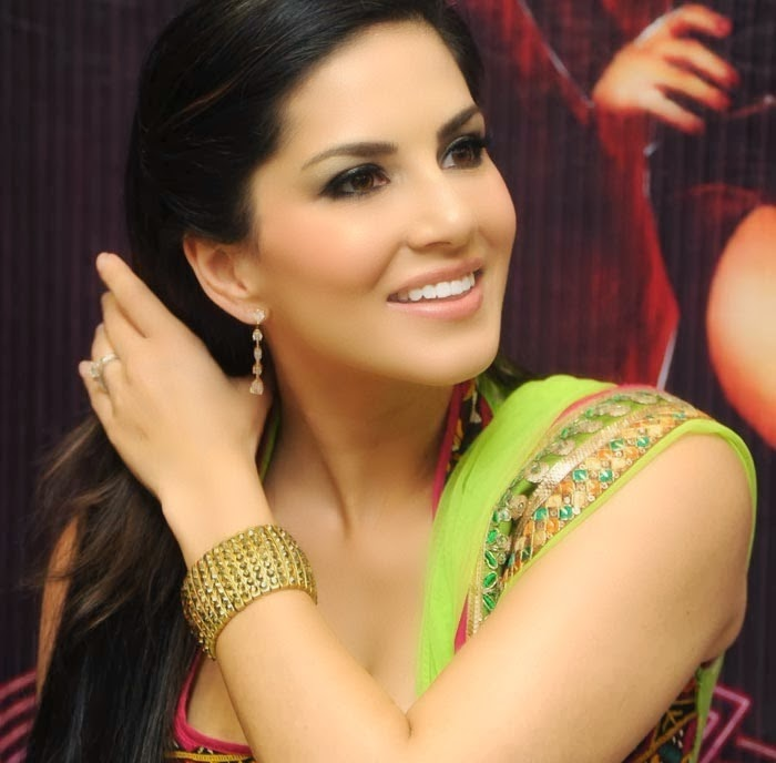 Sunny leone photo