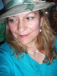 Νότα Κυμοθόη: Ελληνίδα Ποιήτρια, Λογοτέχνης και Ζωγράφος