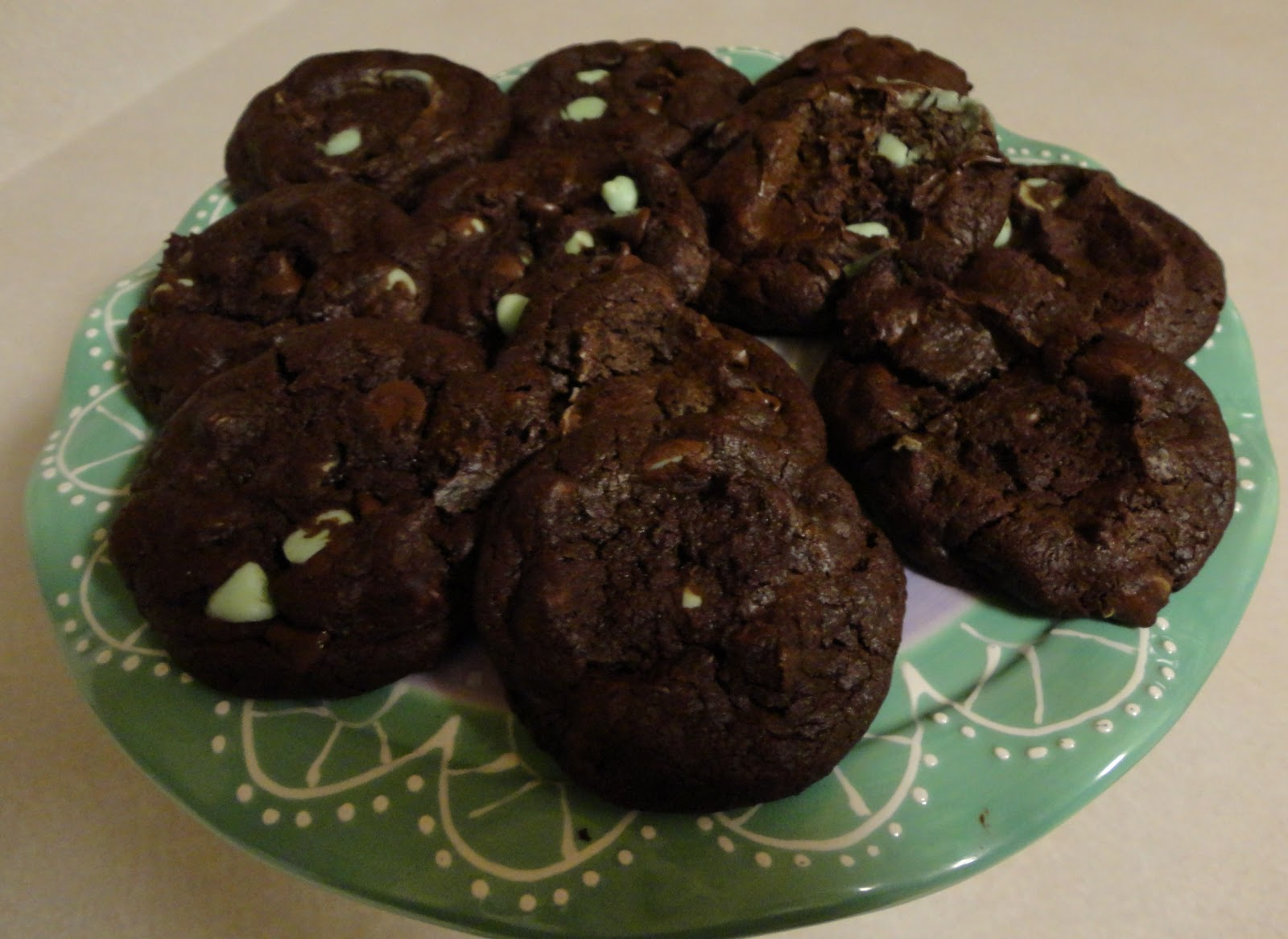 Cakes and Cookies by Andrea: Dark Chocolate Mint Chip Cookies