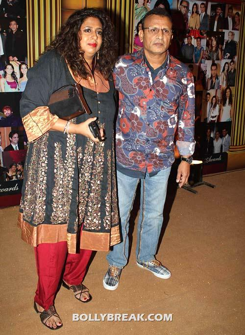 Annu Kapoor and wife - (12) - Star Gold television awards 2012 Pics