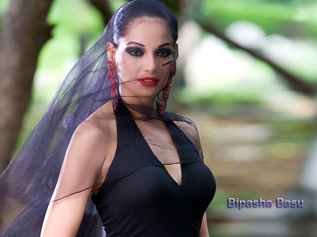 Bipasha Basu Hot unseen Wallpapers