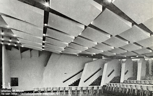 Perros-Guirec - Palais des Congrès et des Festivités  Architectes: Christain Cacaut, André Mrowiec.  Construction: 1969 - 1970