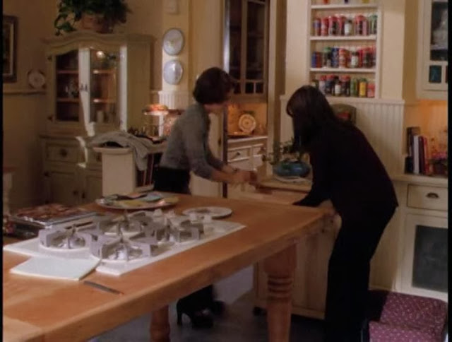 The little white house on the seaside charmed for The charmed kitchen