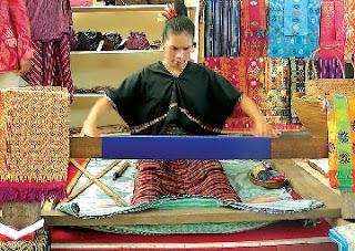 oleh-oleh khas lombok, kerajinan khas lombok, oleh-oleh kerajinan lombok, souvenir khas lombok, kain tenun khas lombok,