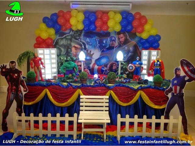 Festa infantil com a  decoração de mesa do tema Vingadores realizado na Barra da Tijuca, Rio de janeiro