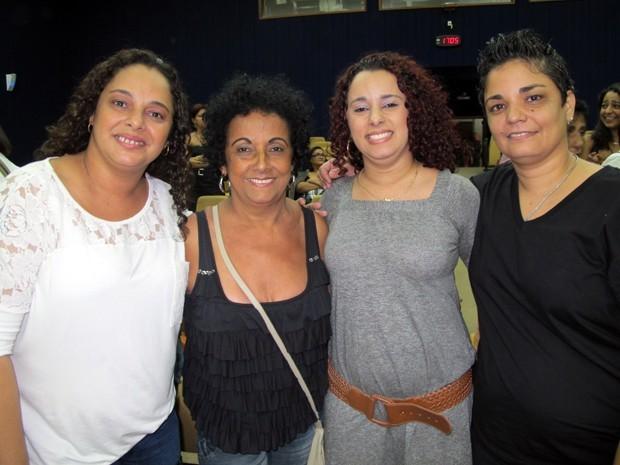 Família festejou união estável: Adriana (esquerda), Cleuza, Aline e Ana (Foto: Christiano Ferreira)