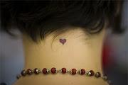 petit tatouage16 (small tattoos neck on girls)