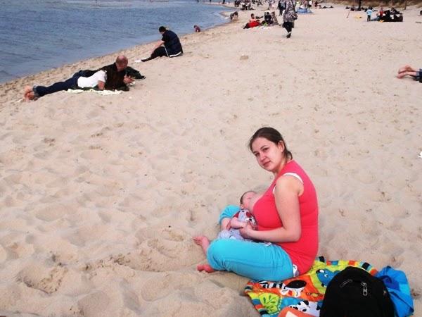 karmienie na plaży niemewle 2 3 4 miesiące