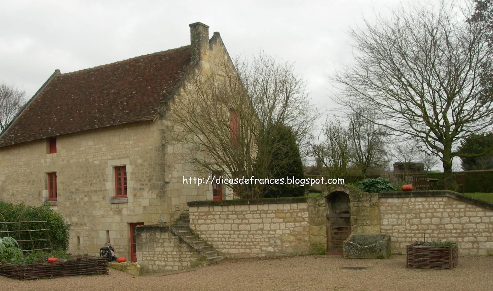 Museu Rabelais fica em Seuilly a 8 km de Chinon ( Vale do Loire  #5E4B32 1600 945