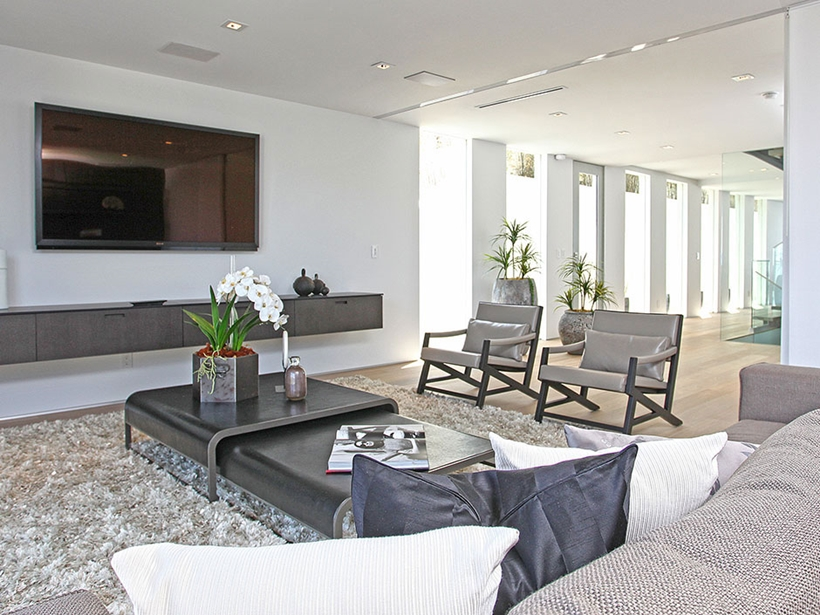 Relax room in Sharp modern home on Sunset Strip