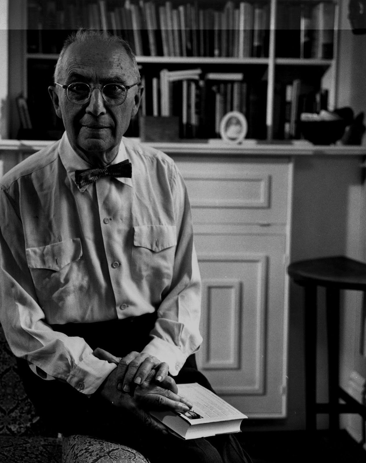 william carlos williams style The william carlos williams: poems community note includes chapter-by-chapter summary and analysis, character list, theme list, historical context, author biography and quizzes written by community members like you.