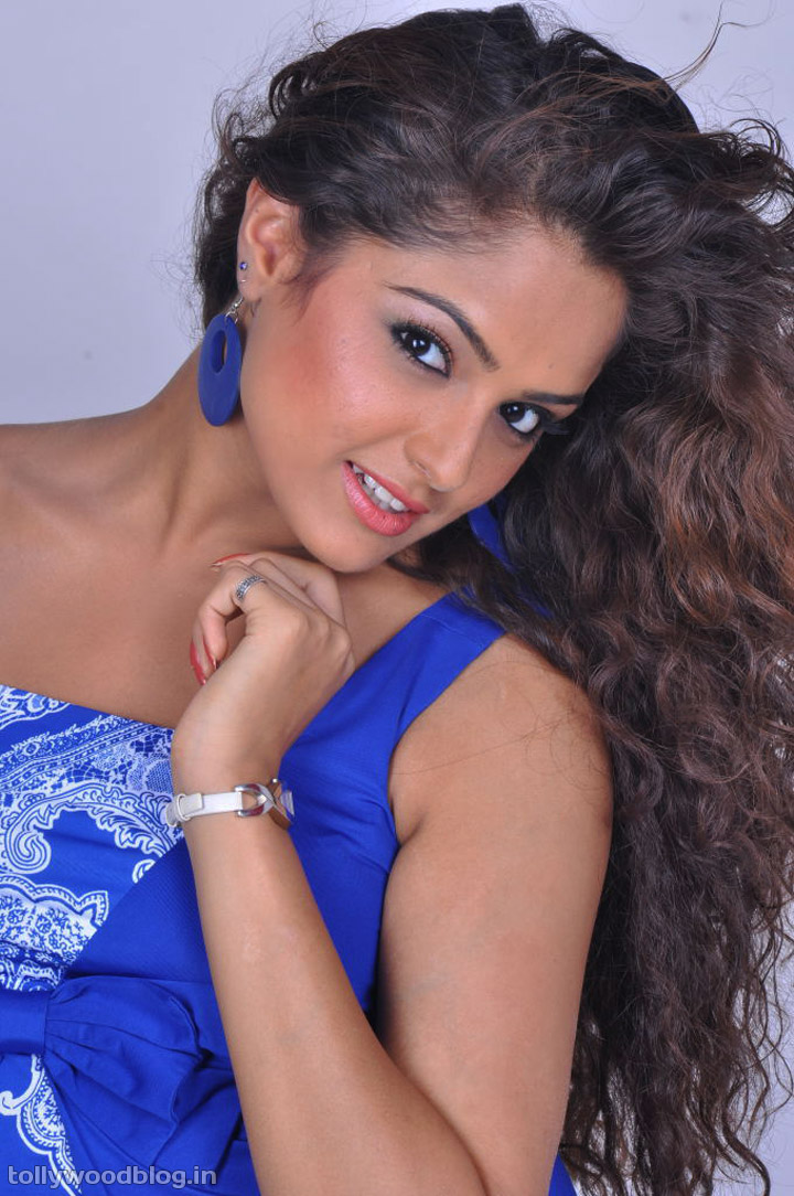 Tamil Actress Asmita Sood Latest Photo shoot Hot spicy in ...