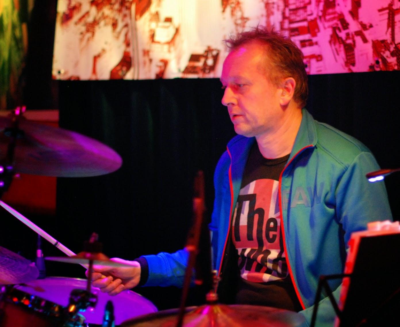 John, drummer van Coverband Docklands Road