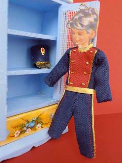 traje de soldado en miniatura