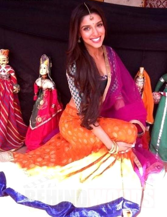 1 - Asin on the sets of Bol Bachchan at Jaipur